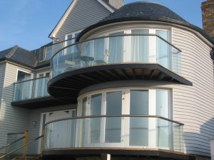 glass curved balcony 2